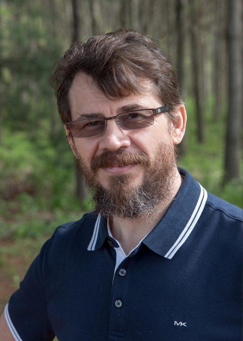 Instructor-Grabovetskiy
